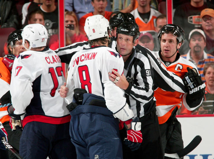 Richards and Ovechkin in a scrum