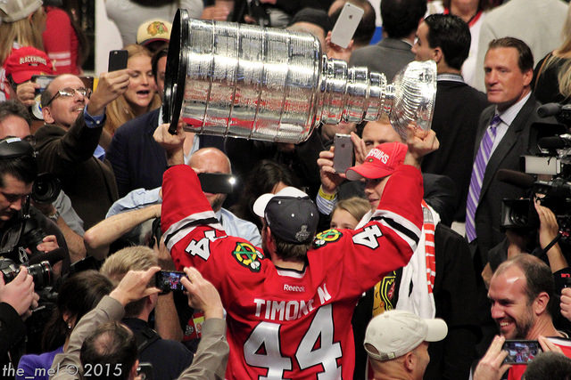 Chicago Blackhawks win 2015 Stanley Cup as Kimmo Timonen hoists it
